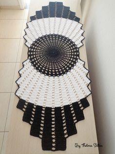 Thelma Salles ღ Artesanatos: 2017 Knitting ProjectsKnitting HumorCrochet PatronesCrochet Stitches Diy Crafts Crochet, Crochet Home, Crochet Projects, Doily Patterns, Craft Patterns, Crochet Patterns, Crochet Tablecloth Pattern, Crochet Motif, Crochet Freetress