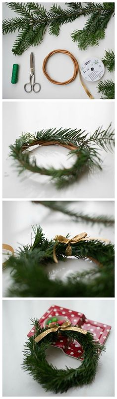 Free tutorial: How to properly tie a Christmas wreath / free diy christmas tutorial: how to m Christmas Wreaths To Make, Christmas Makes, Christmas Mood, Christmas Gift Wrapping, Christmas Crafts, Christmas Decorations, Theme Noel, Decoration Table, Winter Time