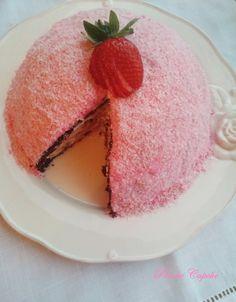 Hem göze hem de mideye bayram ettiren bir pasta.