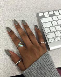 Classy nails colors for dark skin Super Ideas Dark Skin Nail Polish, Dark Skin Nail Color, Colors For Dark Skin, Nail Polish Colors, Gray Nails, Black Nails, Glitter Nails, Classy Nails, Trendy Nails
