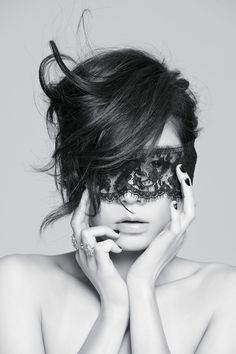 black lace mask. Oh my little goth heart just skipped a beat.