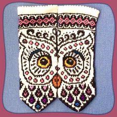 Ravelry: Jewel (Helga) pattern by JennyPenny Knitted Mittens Pattern, Crochet Gloves, Knit Mittens, Knitting Socks, Knit Crochet, Ravelry Crochet, Knitting Charts, Knitting Patterns, Crochet Patterns