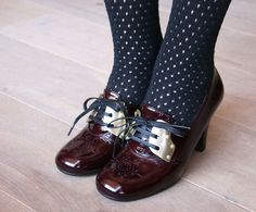 Otoño/Invierno 2012/13... so damn cute. The polka dot tights compliment the rivets on the shoes