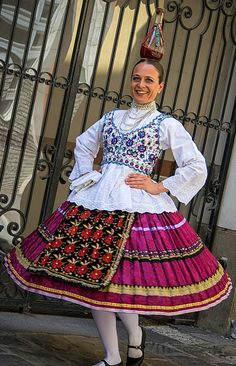 Folk Costume, Costumes, Hungarian Embroidery, Folk Dance, Work Inspiration, Embroidery Patterns, Dancer, Memories, Traditional