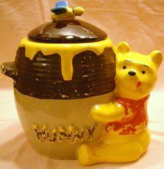 Vintage Disney Winnie the Pooh Hunny Pot w/Bumble Bee Handle Cookie Jar