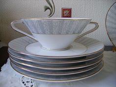 http://de.dawanda.com/product/79147867-Vintage-5-Suppentassen-50ziger-Jahre