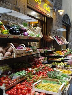 Market stall - Florence, Italy