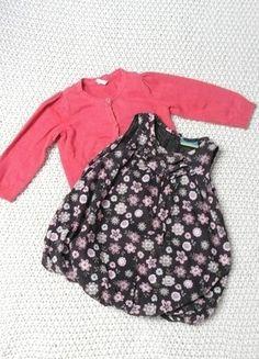 Kaufe meinen Artikel bei #Mamikreisel http://www.mamikreisel.de/kleidung-fur-madchen/lange-kleider/32904015-buntes-herbstkleid-mit-blumen-und-jackchen-hm-ernstings