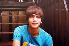 Such a young Luke, but still so blippin' adorable!!!