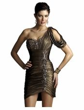 Prom Dresses and Formal Gowns 2020 Best Prom Dress Websites, Best Prom Dresses, Lovely Dresses, Homecoming Dresses, Gold Cocktail Dress, Prom Girl, Groom Dress, Formal Gowns