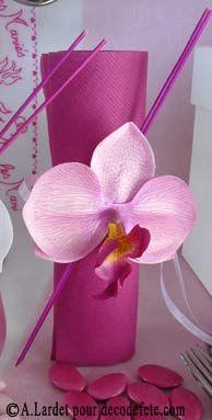 Ajoutez Simplement De Quoi Customiser Vos Serviettes, Comme Avec Bâtonnets  De Bambou Et Orchidées !