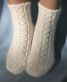 Ravelry: Project Gallery for Hélène Socks pattern by Tuulia Salmela - free knitting pattern
