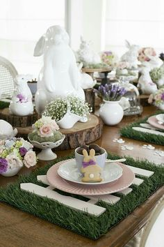 How cute is this table?!