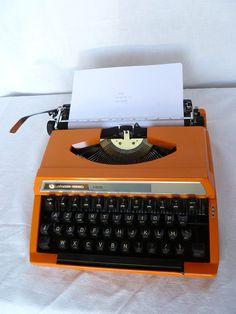 Fun for a Mod or Vintage wedding.  Silver Reed 100 typewriter #events #weddingdecor #vintagehome