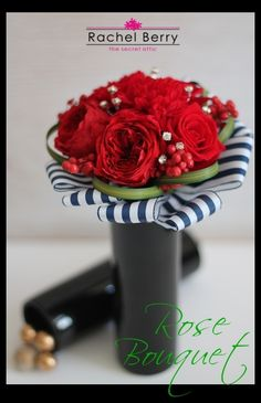 Red Bouquet in black vase♪ |Rachel Berry the Secret Attic