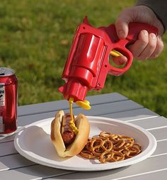 OMG! A condiment gun! Where has this been all my life!? #spon #CoolHunter