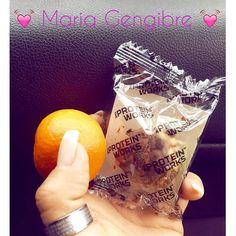 Snack da manhã. Tangerina (carrega vitamina C) enfuma Protein Nuttie da @mws.pt  #MyWheyStore www.mws.pt  #lanchedamanha #comerde3em3horas #comerbem #namarmita #healthysnack #heathylife #healthychoices #naodesisto #boralá #tamojunto #siga #comerbem #comersaudavel #behealthy ( # @mariagengibre_fitness)