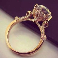 2fb0e184fe2 40 Vintage Wedding Ring Details That Are Utterly To Die For