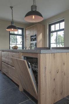 Thijs van de Wouw Keukens - Houten keuken in stijl http://amzn.to/2t2oGf1