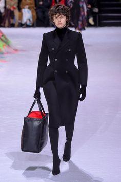 Balenciaga   Ready-to-Wear - Autumn 2018   Look 38