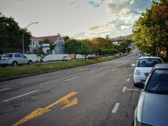 Somerset Street, Grahamstown, South Africa. Somerset, South Africa, Country Roads, Street, Places, Walkway, Lugares
