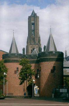 Eusebius Church and Sabels poort   / Pictures of Arnhem