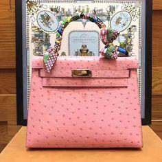 Celine box flap bag in Deep Green Hermes Bags, Hermes Handbags, Handbags On Sale, Hermes Kelly 25, Celine Box, Wallet Sale, Luxury Bags, Bag Sale, Purses