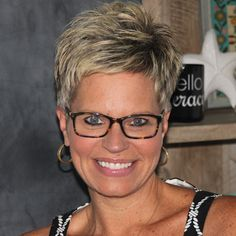 Selecting Your Perfect Pixie Haircut Chic Short Hair, Super Short Hair, Short Grey Hair, Short Hair With Layers, Short Hair Cuts For Women, Short Sassy Haircuts, Cute Hairstyles For Short Hair, Short Hair Styles, Crop Hair