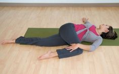 The 8 best yoga poses for sciatica relief. They are great strengthening your back, improving your posture and preventing or eliminating sciatic pain: Yoga For Sciatica, Sciatica Stretches, Sciatica Pain Relief, Sciatic Pain, Sciatic Nerve, Yoga Poses For Back, Easy Yoga Poses, Poses Yoga Faciles, Tendon D'achille