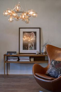 Round hanging lamp in amber made of glass balls. Splendor By Rydens. Luminaire Original, Suspension Design, Glass Ball, Egg Chair, Amber, Inspiration, House, Furniture, Home Decor