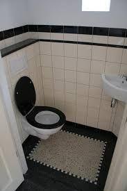 Renoveren in jaren 30 stijl en anno 1900 Terrazzo, Art Deco Bathroom, Small Bathroom, Bad Inspiration, Bathroom Inspiration, Tiny Bath, Black And White Tiles, Small Room Decor, Toilet Design
