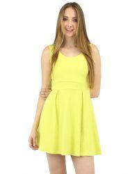 Sweetheart skater dress in yellow. Sleeveless.