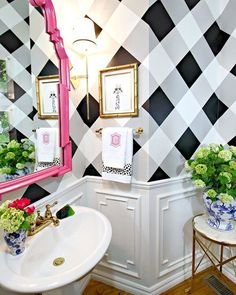 I'm all over this powder room makeover by my friend @jenniferdimplesandtangles ! Be sure to stop over at her blog and see the entire post including the pink door! Absolutely dreamy! Great job, Jennifer! #bathroom #makeover #decor #blackandwhite #molding #paint #powderroom #pink #homedesign #homedecor #interiordesign #preppy