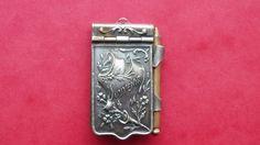ancien pendentif porte photos en metal argente