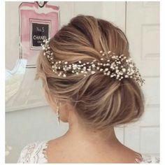 Wedding Hairstyles : low bun wedding hairstyle with elegant white hairpiece via ulyana aster / / www Romantic Wedding Hair, Wedding Hair Pieces, Wedding Updo, Trendy Wedding, Prom Updo, Timeless Wedding, Wedding White, Green Wedding, Wedding Ceremony