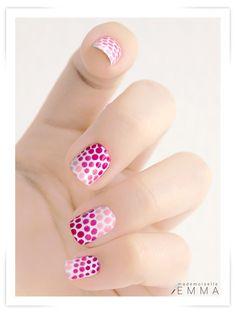 Nail dots