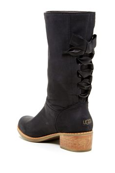 Nice black boot and they come from UGG so you know they're super comfy