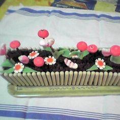 gâteau 'jardinière' Beautiful Cakes, Amazing Cakes, Rodjendanske Torte, Buffet, Candy Party Favors, Dream Cake, Easter Recipes, Cake Creations, Snacks