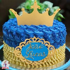 A imagem pode conter: sobremesa e comida Royal Baby Shower Theme, Royal Baby Showers, 1 Tier Cake, Tiered Cakes, Torta Baby Shower, Baby Boy 1st Birthday, Birthday Cake, Bolo Mickey, Royal Blue And Gold