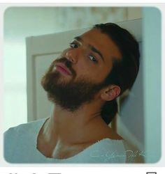 He gives me the chills Turkish Men, Turkish Actors, Beard Lover, How To Look Handsome, Hot Actors, Gorgeous Men, Beautiful, Good Looking Men, Hot Guys