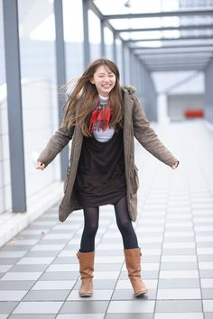 Pantyhose Outfits, Office Ladies, Sexy Asian Girls, Skirt Outfits, Asian Beauty, Cute Girls, Korean Fashion, Most Beautiful, Winter Jackets
