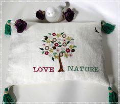 Hier ein weiteres Motiv aus unseren kompostierbarem Kräuterkissen. I love you... Recycling, Kraut, Bed Pillows, Pillow Cases, Canvas Fabric, Sleep Well, Handmade, Pillows, Upcycle