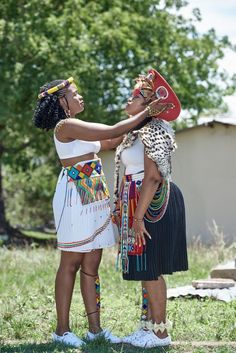 A Gorgeous Zulu And Swati Wedding Zulu Traditional Attire, South African Traditional Dresses, Traditional Dresses Designs, Traditional Wedding Dresses, Pink Bridesmaid Dresses Long, Cute Prom Dresses, Emo Dresses, Fashion Dresses, Party Dresses