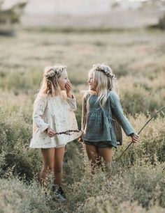 38 Ideas For Baby Girl Fashion Kids Kids Fashion Photography, Children Photography, Digital Photography, Twin Girls Photography, Photography Ideas Kids, Sibling Photography Poses, Vintage Kids Photography, People Photography, Family Photography