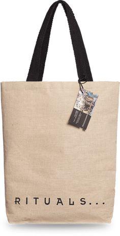 Goodie bag - ez a táska többet rejt, mint gondolnád Tiny Miracles, Cosmetic Design, Sleep Set, Bagan, Unique Bracelets, Slums, Goodie Bags, Good News, Namaste