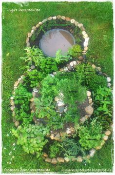 This summer I want our garden with a beautiful herb .- Diesen Sommer will ich unseren Garten mit einer schönen Kräuterspirale verseh… This summer I want to add a nice herb spiral to our garden. It& a lot of work, but I& happy … - Herb Garden Pallet, Herb Garden Design, Diy Herb Garden, Pallets Garden, Garden Ideas, Herb Spiral, Spiral Garden, Amazing Gardens, Beautiful Gardens