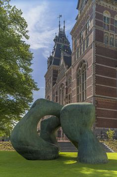 """Henry Moore also created """"Large Arch,"""" located in the library plaza of Columbus, Indiana 