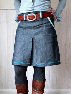 tillaBox: Me Made Mittwoch. Lovely pop of turquoise on this skirt. Inspiration for a sewing or refashioning project #TurquoiseLove