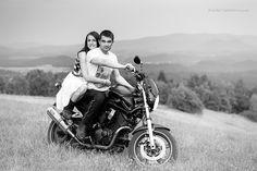 Fotograficzna sesja motocyklowa. Plenerowa fotografia portretowa - Jelenia Góra i okolice. Zapraszam!
