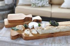 Love this - salvage wood cutting boards made with a jigsaw. Great gift idea